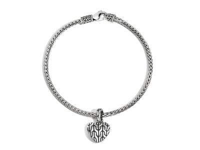 Cropped product listing classic chain heart charm bracelet