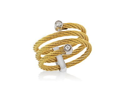 Cropped product listing classique spiral ring