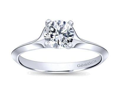 Cropped product listing ellis solitaire engagement ring