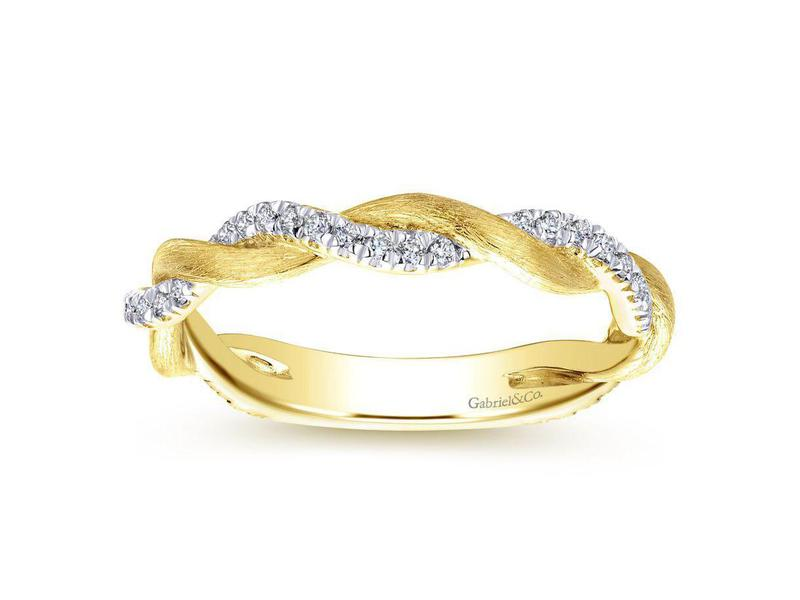 Gabriel Amp Co Twisting Brushed Gold And Diamond Ring