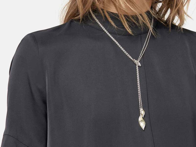 Cropped product page wave hammered lariat necklace