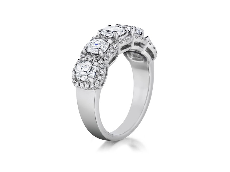 Cropped product page five cushion cut band