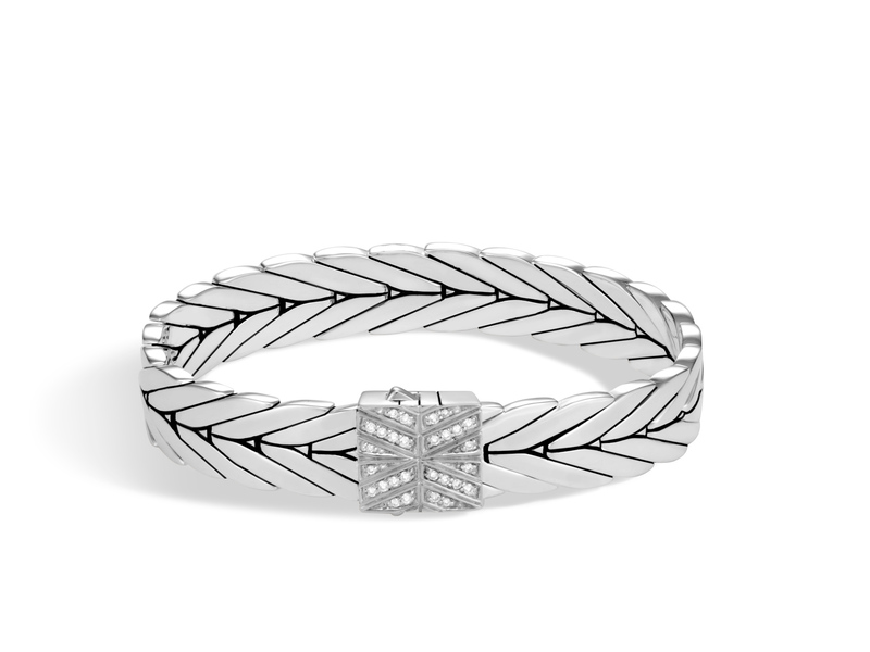 Cropped product page modern chain bracelet with diamonds