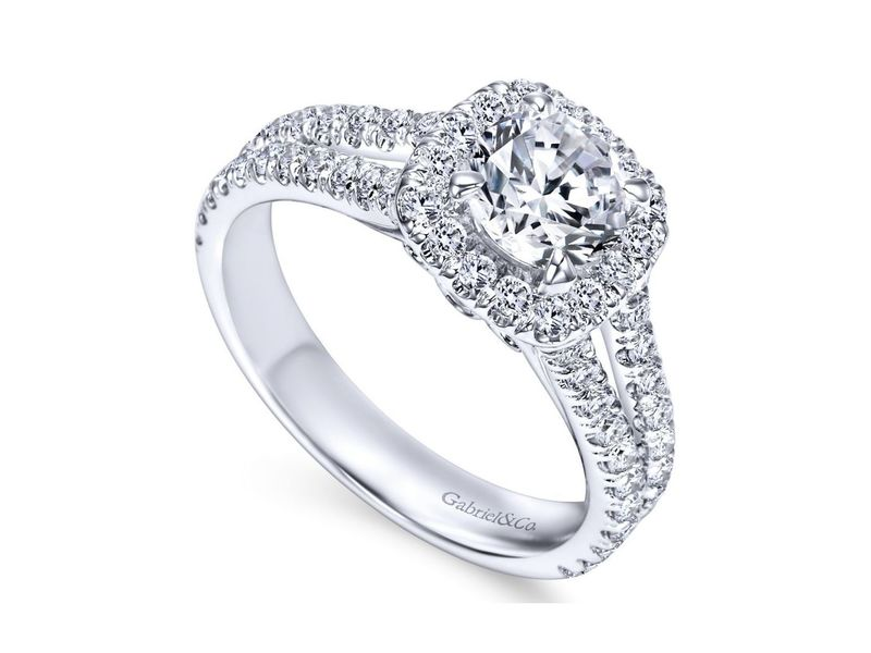 Cropped product page engagement ring
