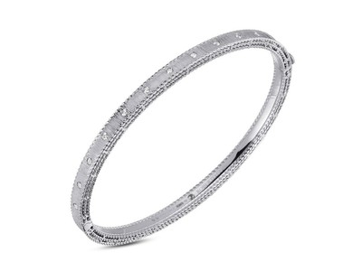 Cropped product listing princess diamond bangle