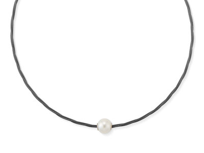 Cropped product listing pearl cable necklace