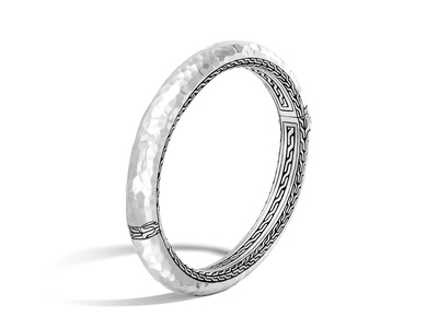 Cropped product listing classic chain collection hammered hinged bangle