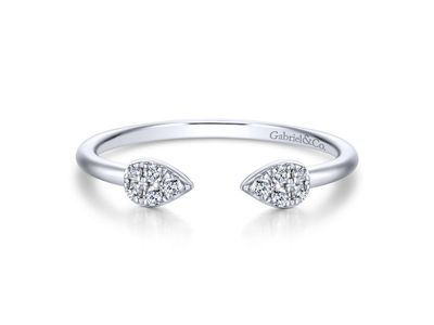 Cropped product listing diamond fashion ring