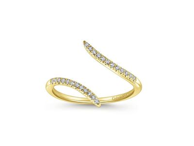 Cropped product listing diamond bypass ring