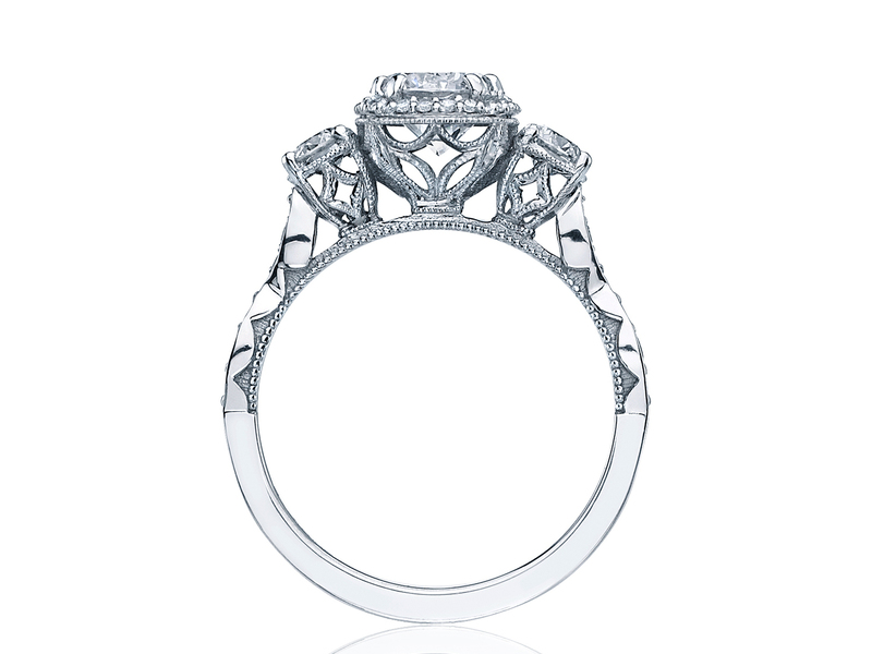 Cropped product page dantela engagement ring