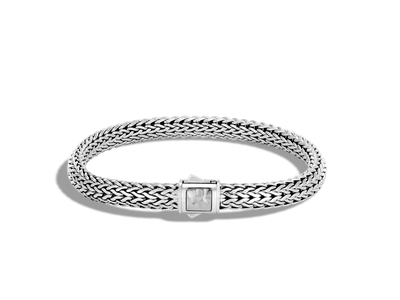 Cropped product listing classic chain hammered clasp bracelet