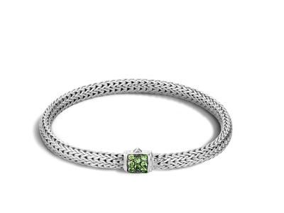 Cropped product listing classic chain bracelet with tsavorite