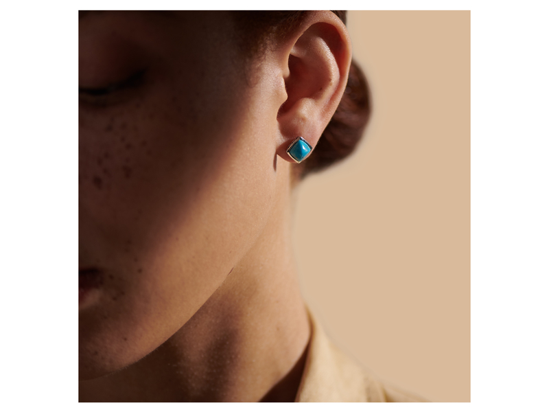 Cropped product page classic chain sugarloaf stud earring with turquoise