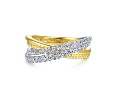Cropped product listing twisted diamond ring