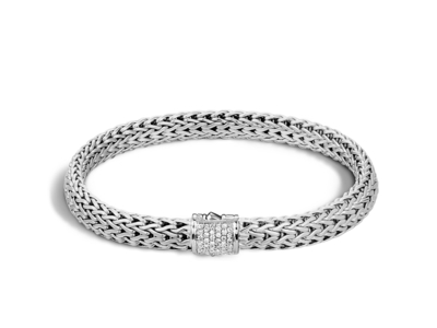 Cropped product listing classic chain bracelet with diamonds