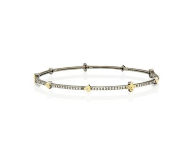 Cropped product listing signature clover station bangle