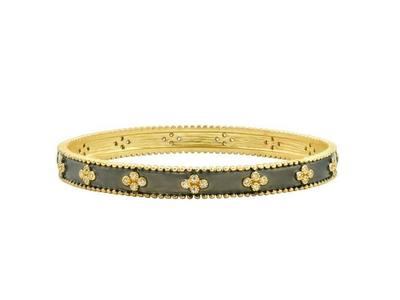 Cropped product listing clover beaded bangle