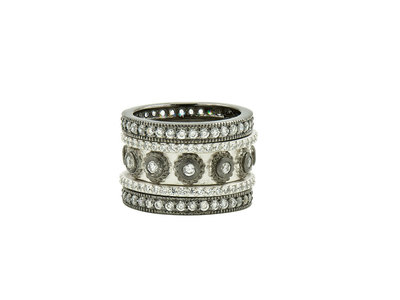 Cropped product listing eternity 5 stack ring