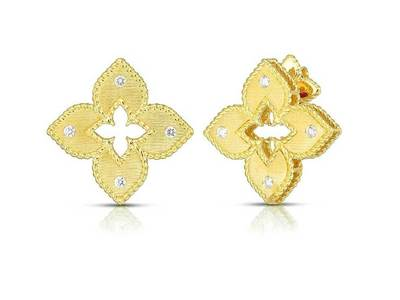 Cropped product listing yellow gold diamond princess flower earrings
