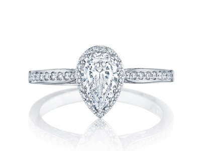 Cropped product listing dantela engagement ring